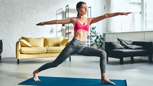 mulher se exercitando